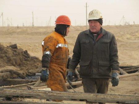 Рабочие месторождения Жетыбай Мангистауской области дали интервью журналистам
