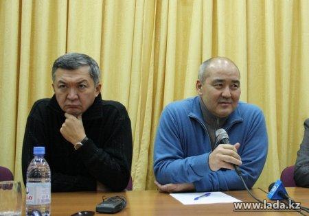 """Глава Правительственной комиссии по вопросам г. Жанаозен встретился с бывшими работниками """"Озенмунайгаз"""""""