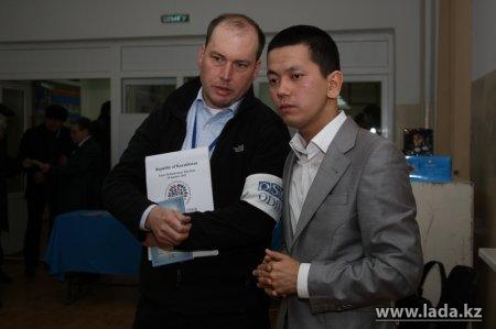 Иностранные наблюдатели отмечают высокую активность избирателей в Жанаозене