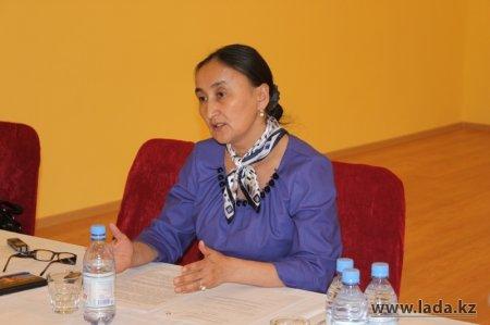 С 6 февраля с жителями Жанаозена, в том числе с ранее бастующими нефтяниками, начинает работать мобильная группа
